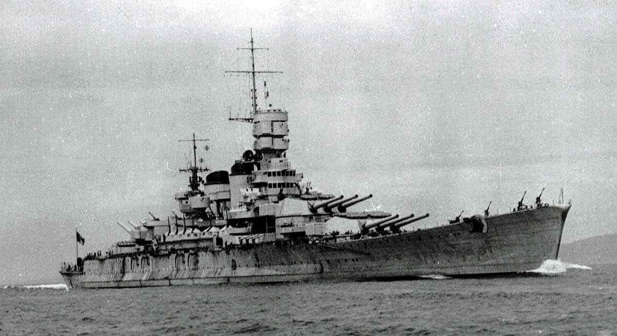 Italian_battleship_roma_1940_starbo